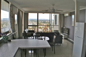 Anacapri 2 Bedroom Apartment Surfers Paradise